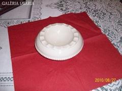 Art Deco porcelán hamutartó