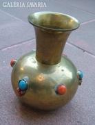 Régi réz váza gyöngy berakással