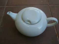 Fehér  Atelier Royal porcelán kiöntő JAROLINA