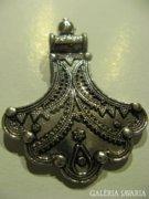 Nagy méretű, indiai ezüst medál