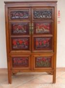 Kínai szekrény.