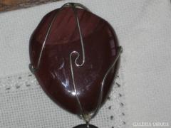 Bőrszíjas lánc nemes kő medállal