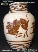 AE01 I4 Bika díszítéses váza