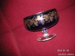 Szőlőmintás üvegkehely, arannyal , gazdagon . kézzel  festve, nagyon impozáns , művészi darab.