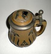 Antik, majolika kupa, korsó- szépen kidolgozott