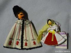 7082 Régi juhász + menyecske romániai kézimunka
