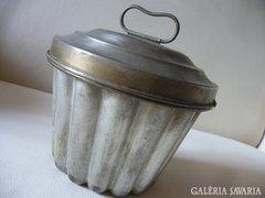 Régi sajtfelfújt - sütőfoma kuglóf cukrász jelzett