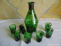 Zöld üveg likőröskészlet. Gyönyörű!!!