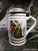 Ón fedeles középkori jelenetes sörös korsó