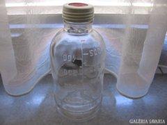 Anyatejes üveg