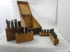 8836 Antik fúrókészlet réz tároló doboz 20 darabos