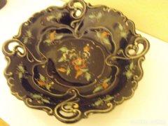 ILMENAU fekete alapon,kézzel festett porcelán tál, 21 cm.