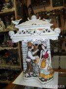 Román porcelán figurális asztali lámpa