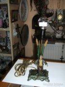 Ón asztali lámpa