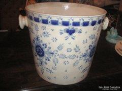Zsolnay   pezsgőhűtő családi pecsétes  ,igen ritkán előforduló  minta és forma