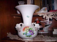 Kosfejes váza