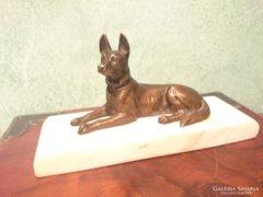 Gyönyörű régi bronz kutya