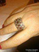Ezüst gyűrű gránátokkal