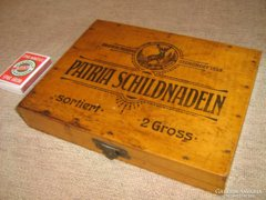 RR!  Patria Schildnadeln régi fa doboz