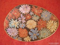 Virágos német porcelán asztalközép