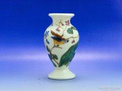 0B278 Vajszínű kisméretű madaras kerámia váza