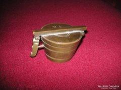 Patikai  antik  lat    mérő  bronzból