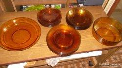 Borostyán színű étkészlet 31 db-os/tányérok,stb...