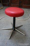 Retro vas szék piros kerek ülőkével