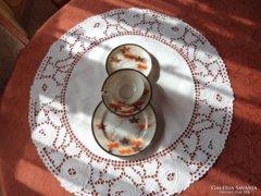 Tojáshéj japán porcelán teáscsésze és tányérok Reggeliző.
