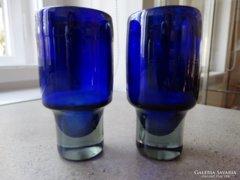 Irizáló kobaltkék, kézműves üvegpohár párban