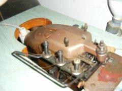 Union Speczial ipari endliző varrógép