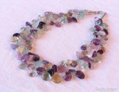 AKCIÓ! Szép gyöngysor, színes kristályokból