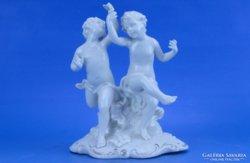 0B786 Antik Nápolyi Capodimonte porcelán kisfiúpár