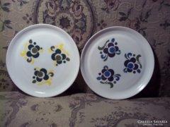 2db retró mintás ARCOPAL fehér tejüveg tányér