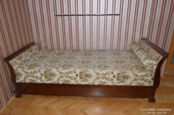 Restaurált régi ágy ( II.)