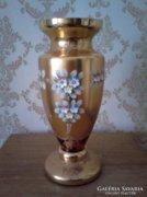 Aranyozott Bohemia  üvegváza domboritott virégokkal