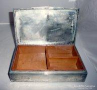 Ezüst cigaretta tartó doboz