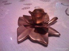 Rézből készült levél és virág formájú gyertyatartó