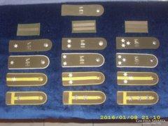 Katonai vállapok - jelzések vegyesen 16 db