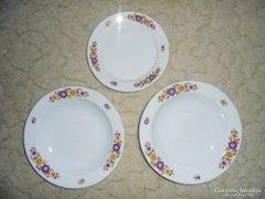 Alföldi Porcelán virág mintás tányérok - 3 db