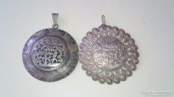 Nagyon szép ezüstözött medál 2 db.