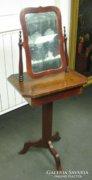 Szecessziós fésülködő asztal