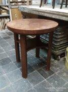 Antik kerek asztalka