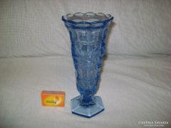 Régi halványkék üveg váza