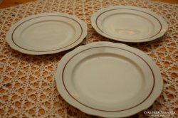 3 db Zsolnay lapos tányér
