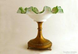 Viktoriánus fodros színes tejüveg asztalközép réz