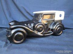Porcelánból készült Mercedes Cabrio 1935 model hatalmas méretben