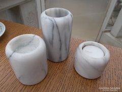Gyertyatartók,-  márvány