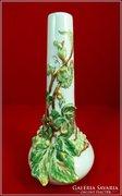 Zsolnay váza fehér szőlős