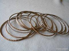 10 karperec, mutatós, arany-ezüst-bronz színű